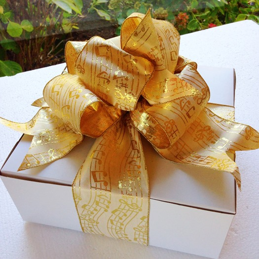 West Elm OC Gift Wrapping Workshop pie box