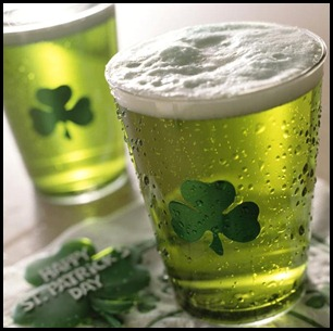 close-up_of_green_beer_on_st_patricks_day_alh01056