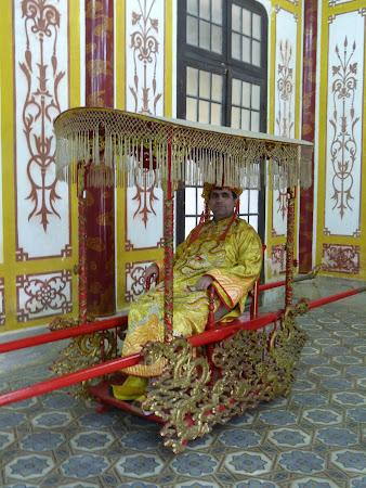 Obiective turistice Hue: Imperator Vietnam