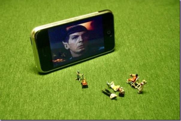 Miniaturas-Iphone-Reproduzindo-Cotidiano-Filme