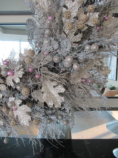 Here is a close-up of the garland. I love this soft color palette of glittery silver, gold and pale pink. It's so festive without being red or green.