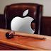 Apple é acusada de articular ilegalmente o preço de e-books.