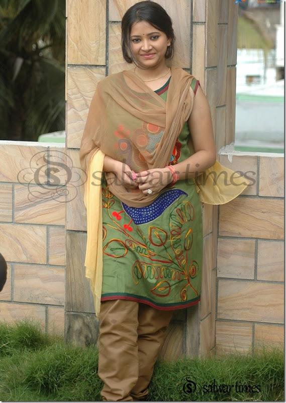 Swetha_Basu_Cotton_Salwar_Kameez