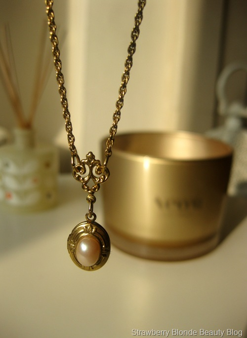 Lovely's-Vintage-jewellery