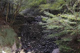 石積みの砂防ダム