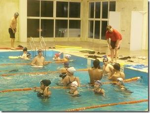 Chicos en el natatorio municipal de San Clemente del Tuyú