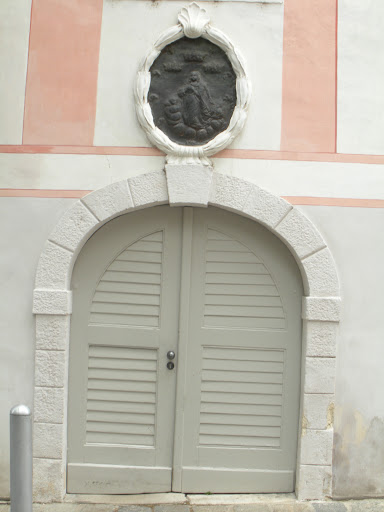 I'll have to save this idea. Shutters on a door look great. (Vienna)