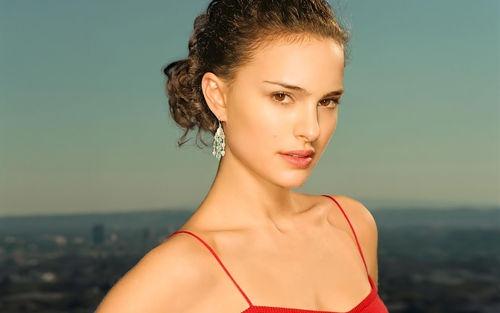 natalie-portman-in-red-top
