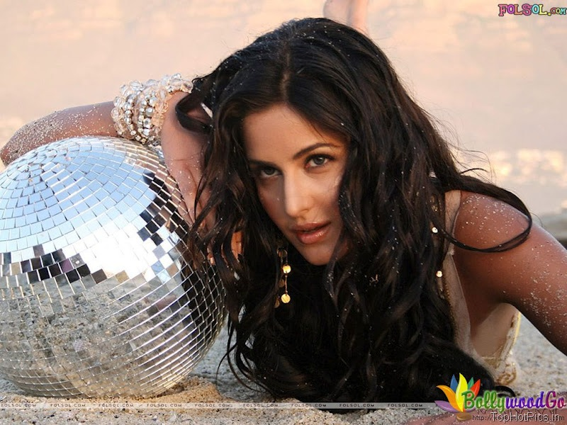 Katrina Kaif Latest Cute Wallpapers 8