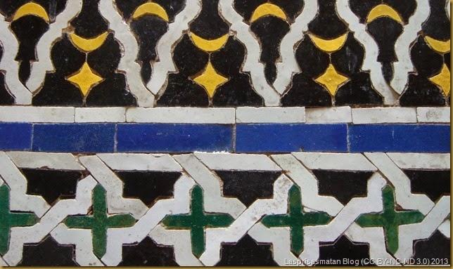 Un detalle de los azulejos de sus paredes