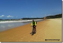 Muitas praias praticamente desertas