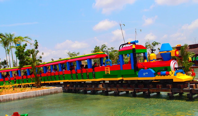 legoland-train.jpg