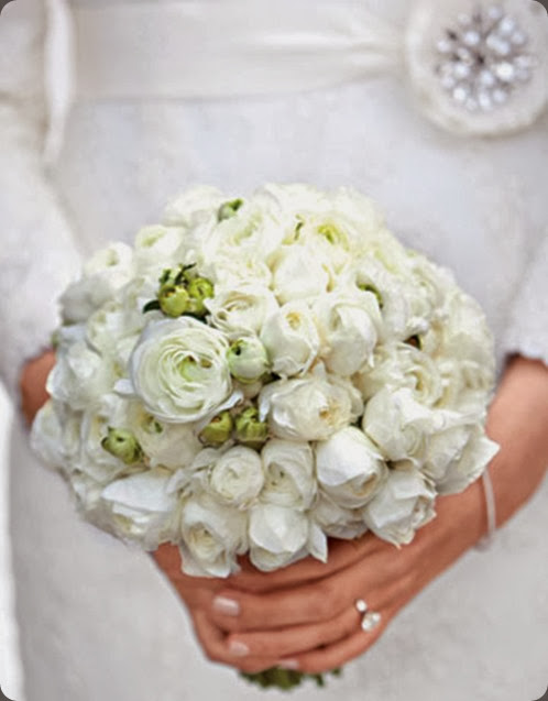 white mwds10666_win11_bouquet_0672_2_xl martha stewart
