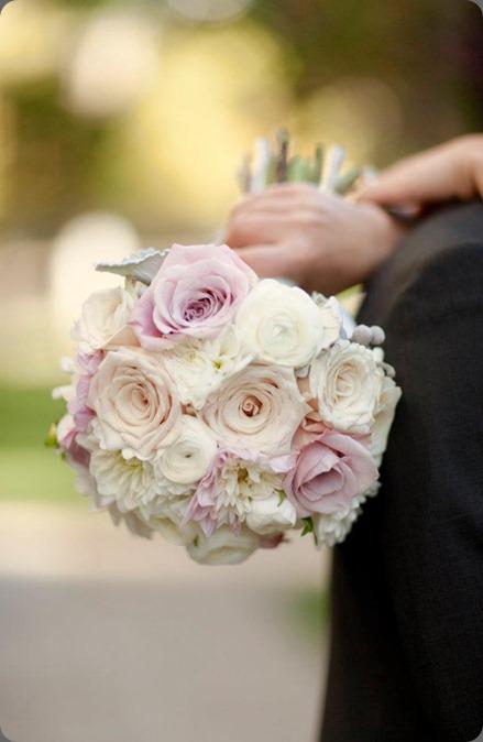 305834_10150366386175957_334549684_n flora bella