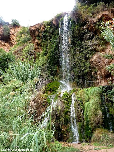 cascada-natural-ayna-albacete.JPG