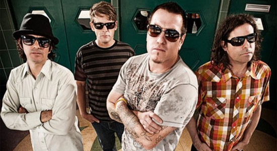 Smash Mouth na Via Funchal