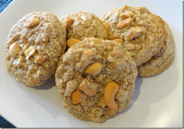 Salted Cashew Crunch Cookies