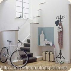 Вешалка в декоре интерьера прихожей