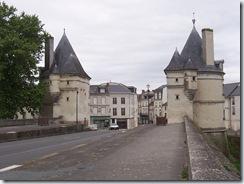 2010.05.31-005 tours du pont Henri IV