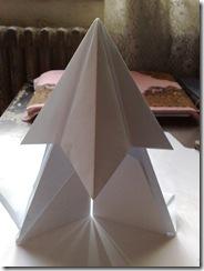 Origami - Piramide din harie