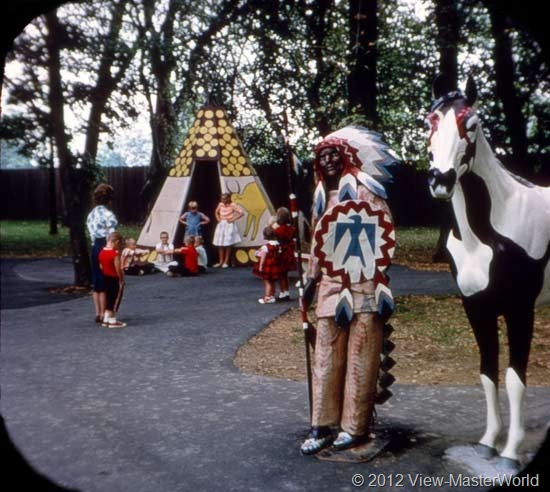View-Master Dutch Wonderland (A634), Scene 17: The Indian Village