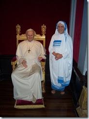 2011.08.15-163 Jean-Paul II et Mère Thérésa