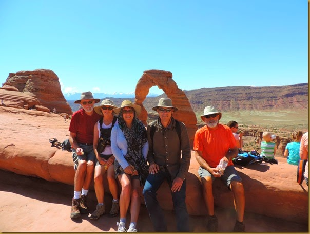 delicate arch hiking group