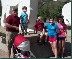 family pic at memphis zoo