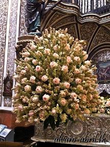 exorno-floral-centenario-coronacion-canonica-año-jubilar-mariano-angustias-granada-alvaro-abril-vela-2013-(16).jpg