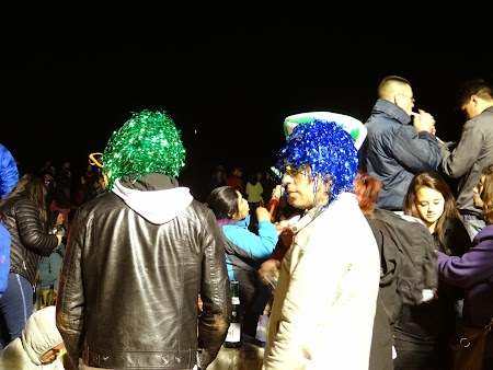 04. Revelion cu peruci colorate.JPG