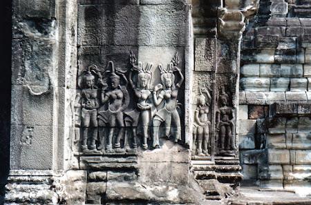 Imagini Angkor Wat: apsara, dansatoarele celeste