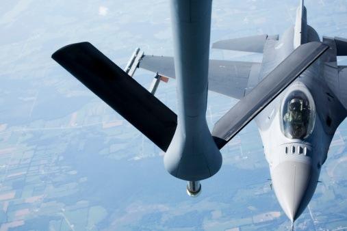 Οι ΗΠΑ στέλνουν 12 F-16 στην Πολωνία