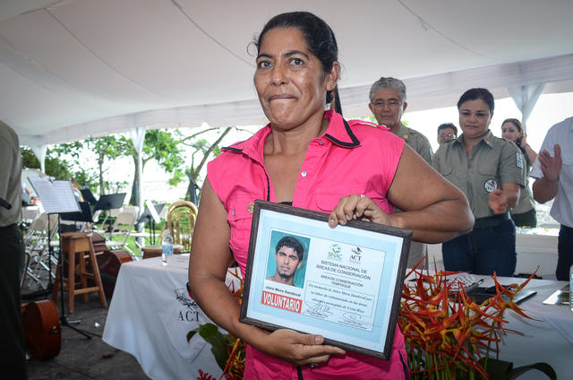 Fernanda Sandoval accepted two recognitions honoring her son, slain turtle conservationist Jairo Mora, during the celebration of the 50th anniversary of Cabo Blanco Absolute Nature Reserve in Cabuya, on 31 August 2013. Photo: Alberto Font / The Tico Times