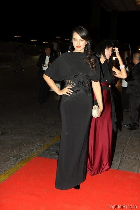 Sonakshi Sinha Hot in Black Dress 3
