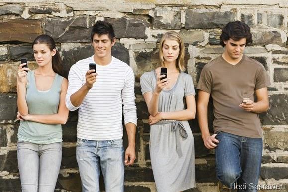 10 Tips Cara PDKT Lewat SMS