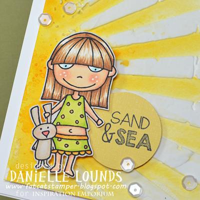 NON6_SandAndSea_BCloseup_DanielleLounds