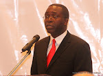 Matata Ponyo, ministre congolais des Finances prononant son allocution ce 3/08/2011  Kinshasa, lors de la runion des Banques nationales africaines.