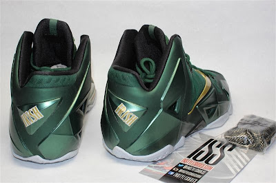 nike lebron 11 pe svsm away 4 03 Detailed Look at Nike LeBron XI SVSM PE Away Editon