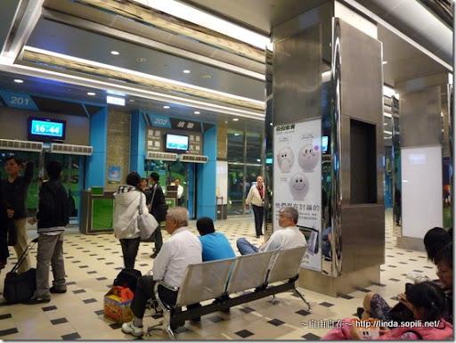 台北轉運站2樓