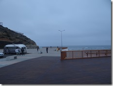 La grande terrase avec vue sur le spot et caravanne à hotdogs !