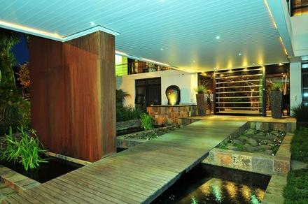 diseño-exterior-casa-Benn-Vaalriver-Nico-van-der-Meulen