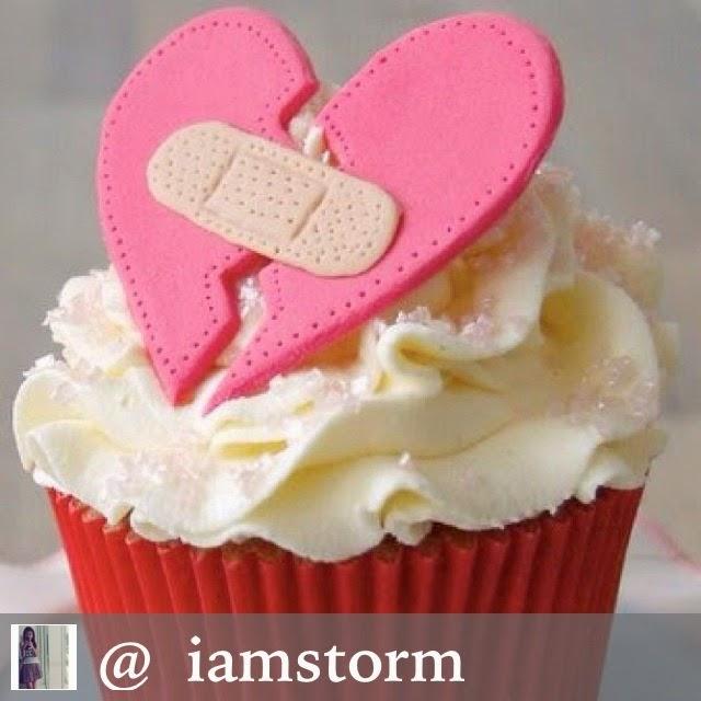 [red-velvet-cupcake-broken-heart%255B4%255D.jpg]