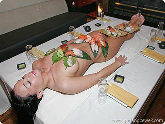 Pose Hot Cewek Saat Tidur || gudangcewek.com