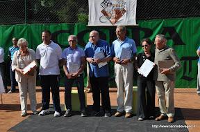 Foto di gruppo degli ex presidenti, incluso l'attuale presidente Roberto Mineni.