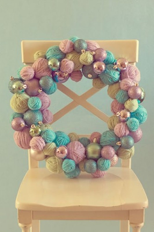 how_to_yarn_ball_wreath-333x500