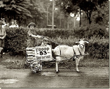 5qtVgoat-cart-1920s-photograph