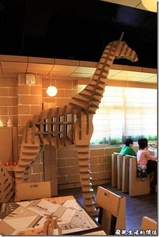 南投清境-紙箱王主題餐廳