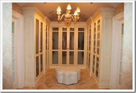 11441842-luxurious-all-white-custom-closet