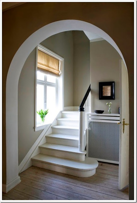 Hardwick-White-Hallway-easy-living-2-july13_b_426x639_1