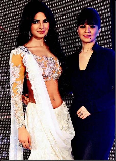 Priyanka Chopra Posed at Blenders Pride Fashion Tour  5